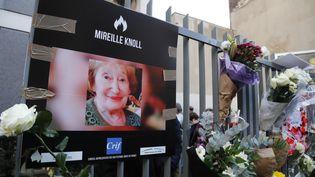 Marche blanche à Paris, le 28 mars 2018, en hommage à Mireille Knoll,85 ans, tuée dans son appartement parisien. (FRANCOIS GUILLOT / AFP)