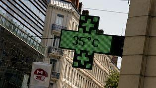Le thermomètre a affiché 35 degrés à Lyon (Rhône), le 27 juillet 2018. (MAXPPP)