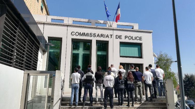 Les policiers protestent, comme ici le 19 avril 2019 à Meudon (Hauts-de-Seine), alors qu'une vague de suicides touche leur profession. (ALLIANCE POLICE NATIONALE)