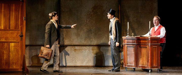 Guillaume Sentou (à gauche) est Edmond Rostand  (Alejandro Guerrero)