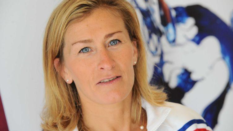 Frédérique Jossinet (ici lors d'une conférence de presse avant les Jeux Olympiques 2012) travaille désormais pour la Fédération française de football, loin des tatamis. (REAU ALEXIS/SIPA)