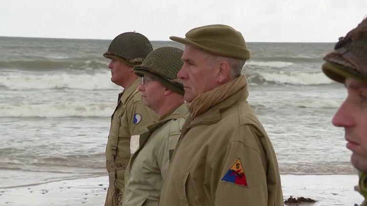 En raison de la crise sanitaire, les cérémonies de commémoration du Débarquement du 6 juin 1944 ont été réduites au strict minimum, samedi 6 juin. (FRANCE 3)