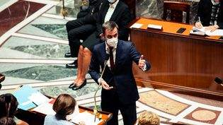 Le ministre de la Santé, Oliver Véran, à l'Assemblée nationale, le 20 juillet 2021. (CHRISTOPHE MICHEL / HANS LUCAS / AFP)