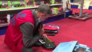 Les services après-vente des magasins de jouets débordés par les retours des cadeaux de Noël (France 3 Hauts de France)