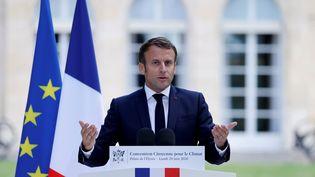 Emmanuel Macron s'adresse aux 150 membres de la Convention des citoyens pour le climat au Palais de l'Elysée, le 29 juin 2020 (photo d'illustration). (CHRISTIAN HARTMANN / POOL)