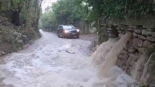 Alerte météo : des orages et des inondations frappent le Gard, placé en vigilance rouge (France 2)