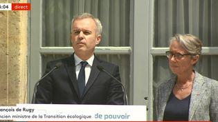 François de Rugy et Elisabeth Borne lors de la passation de pouvoir au ministère de la Transition écologique, le 17 juillet 2019 à Paris. (FRANCEINFO)
