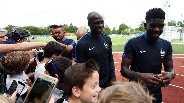 Samuel Umtiti et Eliaquim Mangala  (FRANCK FIFE / AFP)