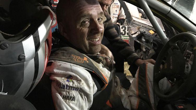 Philippe Croizon à l'arrivée de la troisième étape du rallye Dakar 2017, 780 km entre San Miguel de Tucuman et San Salvador de Jujuy, dans le nord de l'Argentine, remportée mercredi 4 janvier parStéphane Peterhansel. (TEAM CROIZON TARTARIN)