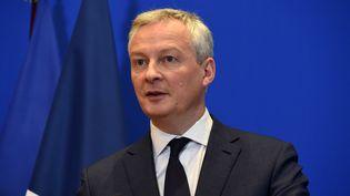 Le ministre de l'Economie, Bruno Le Maire, lors d'une conférence de presse au ministère, le 9 mars 2020 à Paris. (ERIC PIERMONT / AFP)