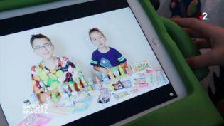 """""""Rentrer le produit dans l'inconscient"""" des enfants : comment les marques investissent les chaînes YouTube regardées par les petits (ENVOYÉ SPÉCIAL  / FRANCE 2)"""