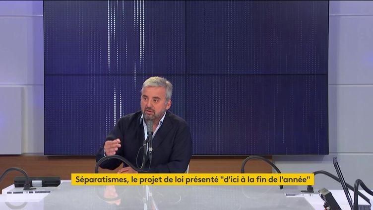 """Le député de La France insoumise Alexis Corbière était l'invité du""""8h30 franceinfo"""" le mardi 8 septembre. (FRANCEINFO / RADIOFRANCE)"""
