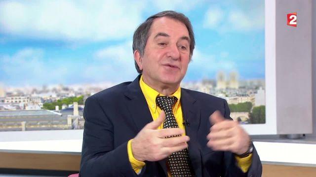 Jean-Claude Bourrelier présente ses outils pour la reprise dans un livre