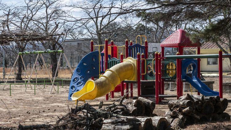 Des jeux pour enfants abandonnés àFukushima, au Japon, en février 2021. (PHILIP FONG / AFP)