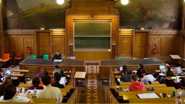 Dans son rapport 2014, l'Unef affirme que 33 universités pratiquent une sélection illégale de leurs étudiants. (STEVENS FREDERIC / SIPA)