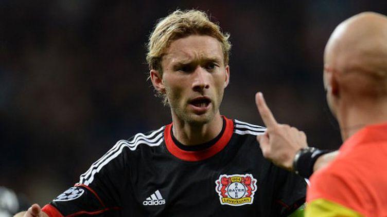 Le milieu de terrain et capitaine du Bayer Leverkusen, Simon Rolfes