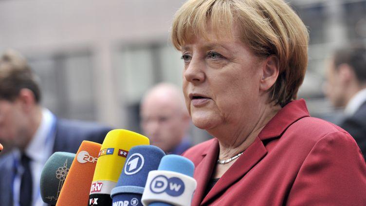 La chancelière allemande, Angela Merkel, lors de son arrivée à Bruxelles (Belgique) pour lesommet européen, le 24 octobre 2013. (GEORGES GOBET / AFP)