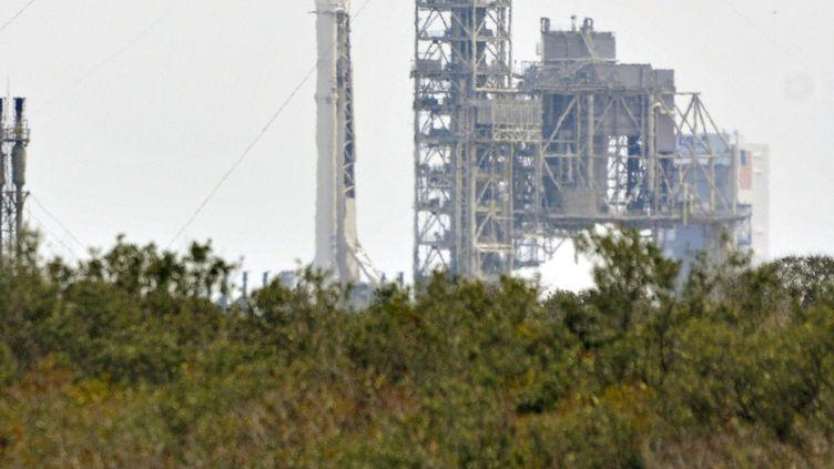 La fusée Falcon 9 de Space X, le 18 février 2017. (BRUCE WEAVER / AFP)