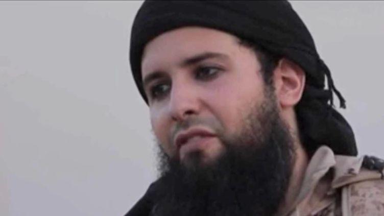 """Capture écran de la vidéo""""Qui est Rachid Kassim, l'organisateur présumé de l'attentat avorté à la voiture piégée ?"""", de franceinfo, dimanche 11 septembre. (FRANCEINFO)"""