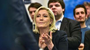 La présidente du Front national, Marine Le Pen, au siège du parti, à Nanterre (Hauts-de-Seine), le 29 mars 2016. (CITIZENSIDE / YANN KORBI / AFP)