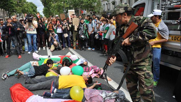 (Un simulacre d'exécutions est organisé © RF-Nathanaël Charbonnier)