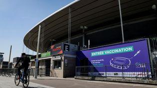 Le stade de France reconverti en vaccinodrome pour le Covid-19 accueillera ses premiers patients mardi 6 avril 2021. (THOMAS SAMSON / AFP)