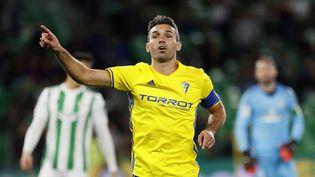 David Barral, ici sous les couleurs de Cadiz en 2017, premier joueur de football impliqué dans une transaction avec des cryptomonnaies (JOSE MANUEL VIDAL. / EFE)