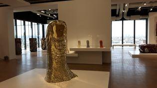 Les empreintes du pouce de César, exposées au Centre de Pompidou. (ANNE CHEPEAU / RADIO FRANCE)