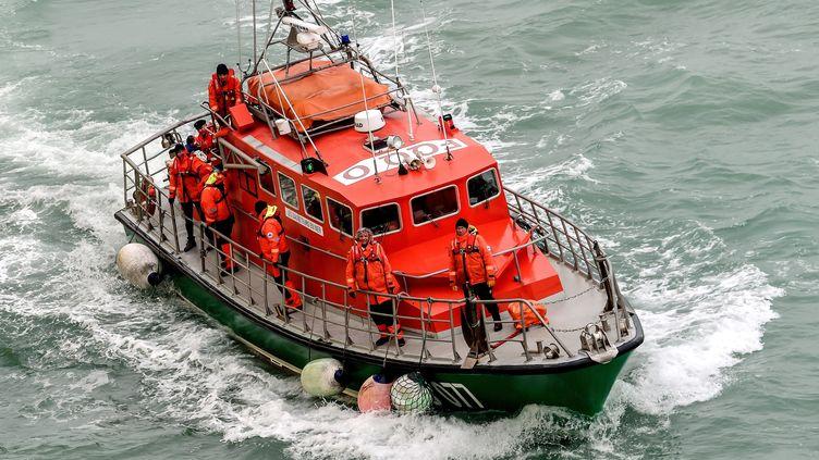 Le bateau de la SNSM de Calais en mer, le 25 janvier 2019 durant un exercice. (PHILIPPE HUGUEN / AFP)