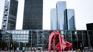 Le quartier de La Défense (Hauts-de-Seine), en octobre 2020. (LILIAN CAZABET / HANS LUCAS / AFP)