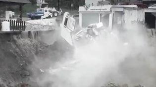 La ville de Nîmes, dans le Gard, a mis en place un programme unique après les inondations de 1988. Des experts évaluent les risques et proposent des solutions sur mesure à des entreprises ou des particuliers situés en zone inondable. (FRANCE 3)