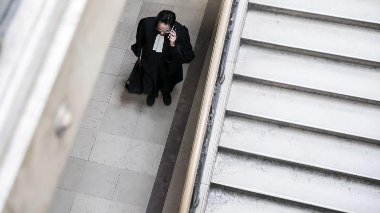 Un avocat dans les couloirs du palais de justice. Image d'illustration. (VINCENT ISORE / MAXPPP)