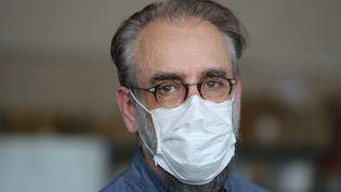 Le professeur Denis Malvy, infectiologue, membre du conseil scientifique et chef du service des maladies infectieuses et tropicales de CHU de Bordeaux, le 16 avril 2020. (FABIEN COTTEREAU / MAXPPP)