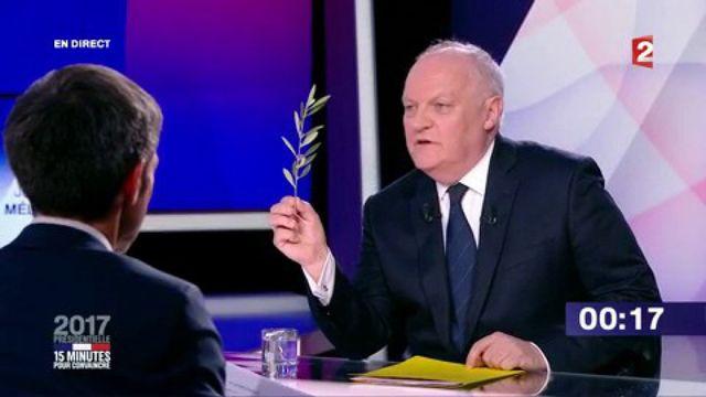 """Présidentielle : revivez le passage de François Asselineau dans """"15 minutes pour convaincre"""" sur France 2"""
