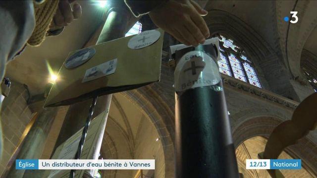 Covid-19 : à Vannes, un distributeur d'eau bénite pour les fidèles