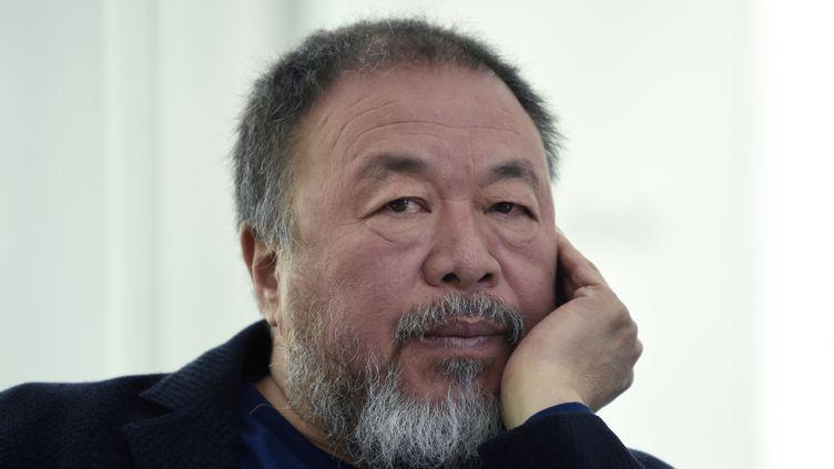 L'artiste contemporain et activiste chinois Ai Weiwei lors d'une conférence de presse à l'occasion de son exposition au MUAC (University Museum of Contemporary Art), à Mexico le 11 avril 2019. (ALFREDO ESTRELLA / AFP)