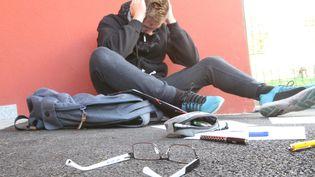 Le 30 20, numéro de téléphone pour lutter contre le harcèlement à l'école, vient d'être mis en place. (JEAN-FRAN?OIS FREY / MAXPPP)