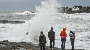L'île de Batz-sur-Mer (Loire-Atlantique), balayée par la tempête Carmen, le 31 décembre 2017. (MAXPPP)