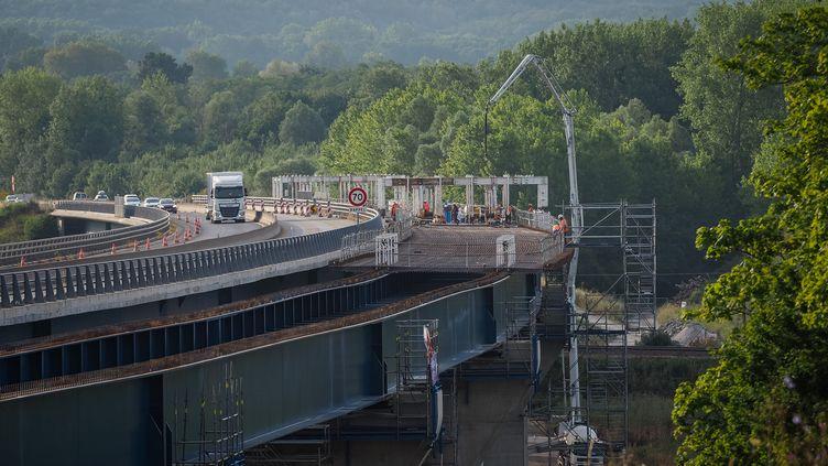 Le chantier du viaduc de Langeais (Indre-et-Loire), le 18 juillet 2019. (GUILLAUME SOUVANT / AFP)