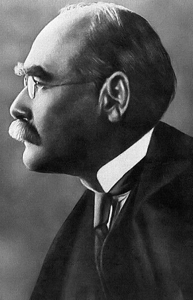 L'écrivain anglais Rudyard Kipling vers 1914 (Anonyme / WIKIMEDIA COMMONS)
