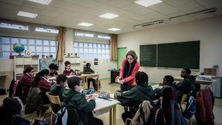 Une classe du réseau d'écoles indépendantes Espérance Banlieues à Asnières-sur-Seine, le 13 janvier 2017. (PHILIPPE LOPEZ / AFP)