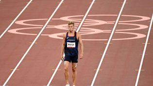 Kevin Mayeraprès l'épreuve du 400 mètres en décathlon, le 4 août 2021 aux jeux olympiques de Tokyo.  (CROSNIER JULIEN / KMSP / AFP)
