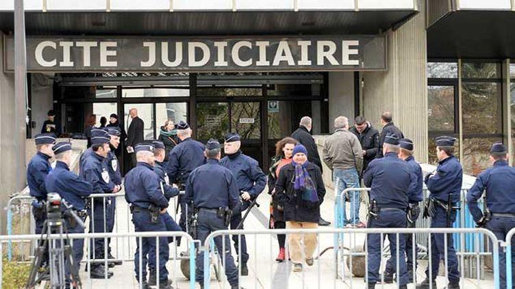 (Le tribunal correctionnel de Rennes, devant lequel ont comparu pendant cinq jours les deux policiers rendra sa décision le 18 mai © Maxppp)
