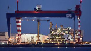 Les chantiers navals de Saint-Nazaire (Loire-Atlantique), photographiées le 2 mai,ont reçu une nouvelle commande de l'armateur américain Royal Caribbean. (YANNICK LE GAL / ONLY FRANCE / AFP)