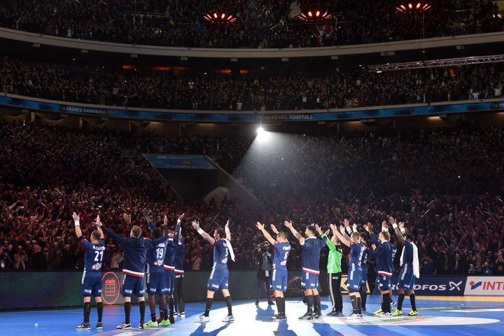 En 2024, les Bleusviseront l'or olympique au stade Pierre Mauroy de Lille, où ils ont déjà cueilli le titre mondial, le 24janvier 2017. (PHILIPPE HUGUEN / AFP)