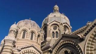 Dans les Bouches-du-Rhône, à Marseille, la cathédrale de la Major est un édifice de style néo-byzantin aussi grand que la basilique Saint-Pierre de Rome (Italie). (FRANCE 2)