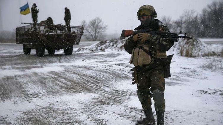 (Les combats se poursuivent à Debaltseve, malgré le cessez-le-feu © Reuters-Gleb Garanich)