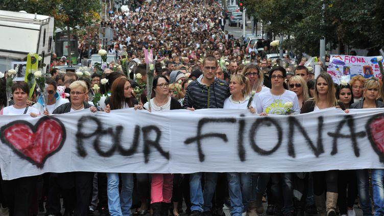 Plus de 2 000 personnes se sont retrouvés pour une marche, dimanche 6 octobre à Clermont-Ferrand, en hommage à Fiona (THIERRY ZOCCOLAN / AFP)