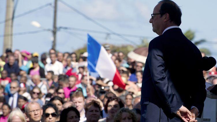 Le président de la République, François Hollande, le 21 août 2014 à Saint-Joseph (La Réunion). (ALAIN JOCARD / AFP)