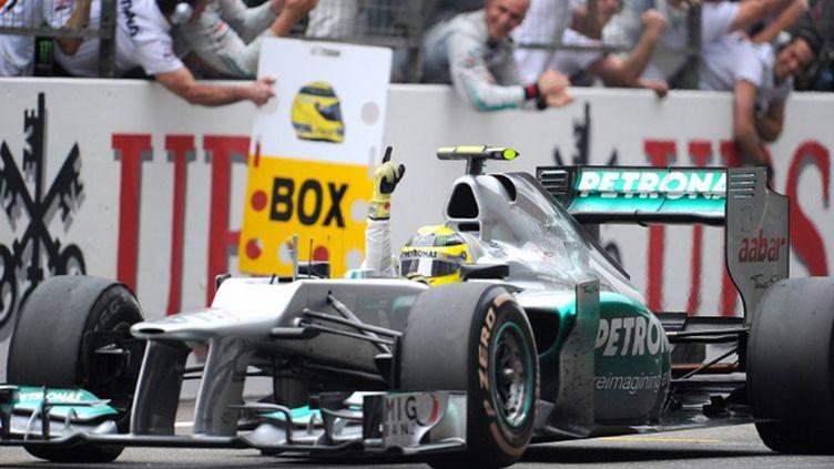 Nico Rosberg (Mercedes) meilleur temps de la 2e journée d'essais (LIU JIN / AFP)